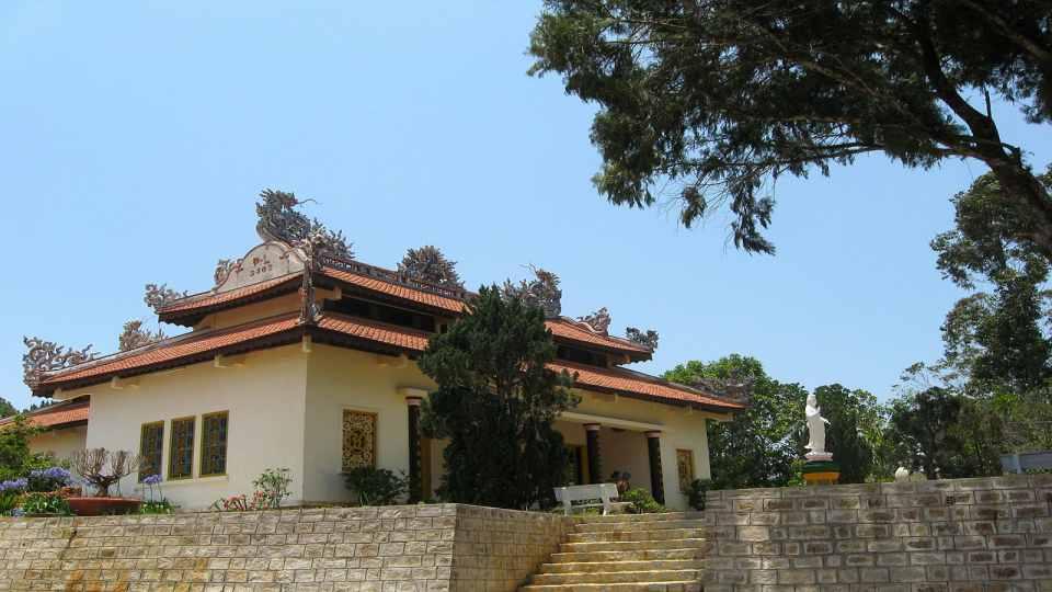 Địa điểm tham quan du lịch Đà Lạt - Chùa Linh Phong