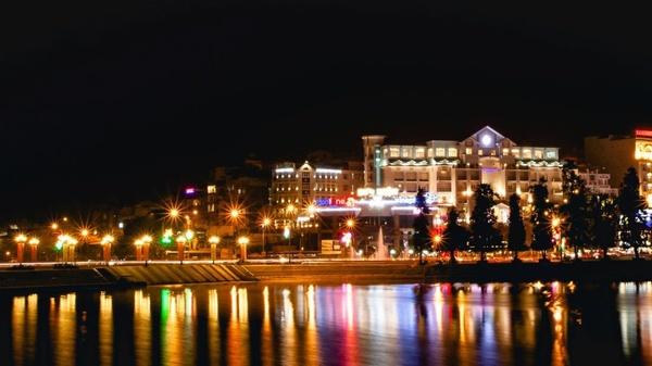 Khách sạn 1 sao gần hồ Xuân Hương