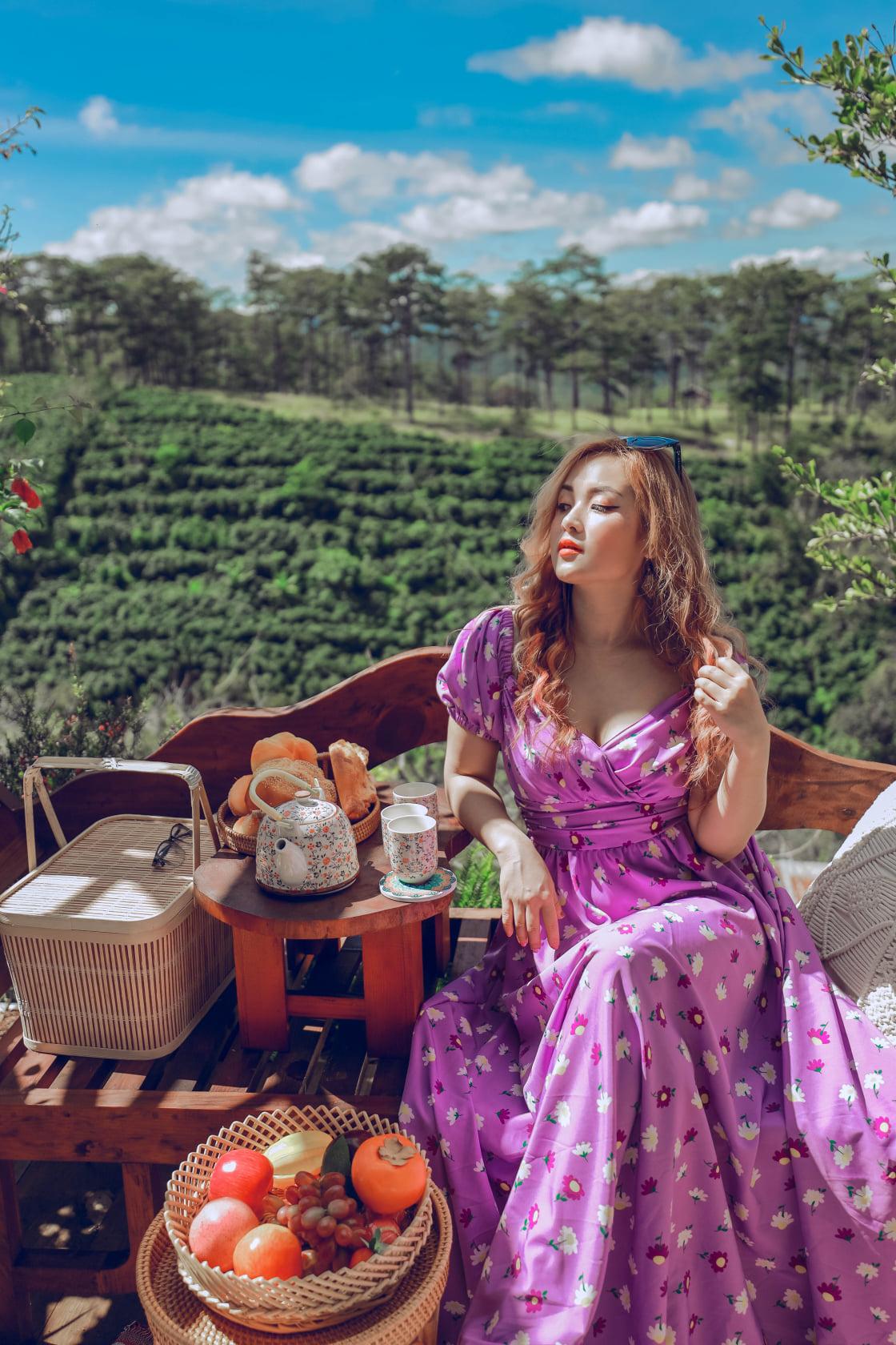 Chụp hình tại Tulu Tula Đà Lạt